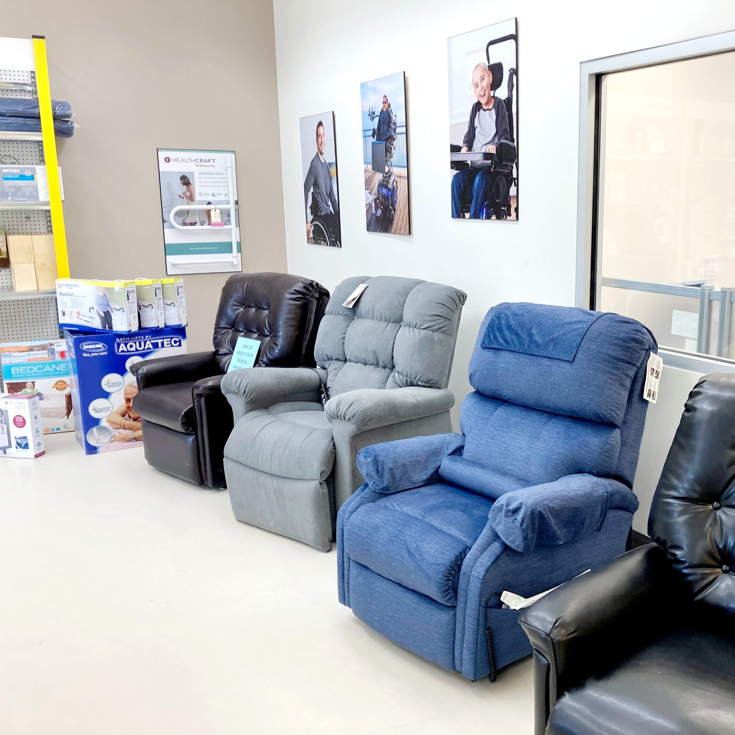 Thunder Bay power lift recliners in showroom