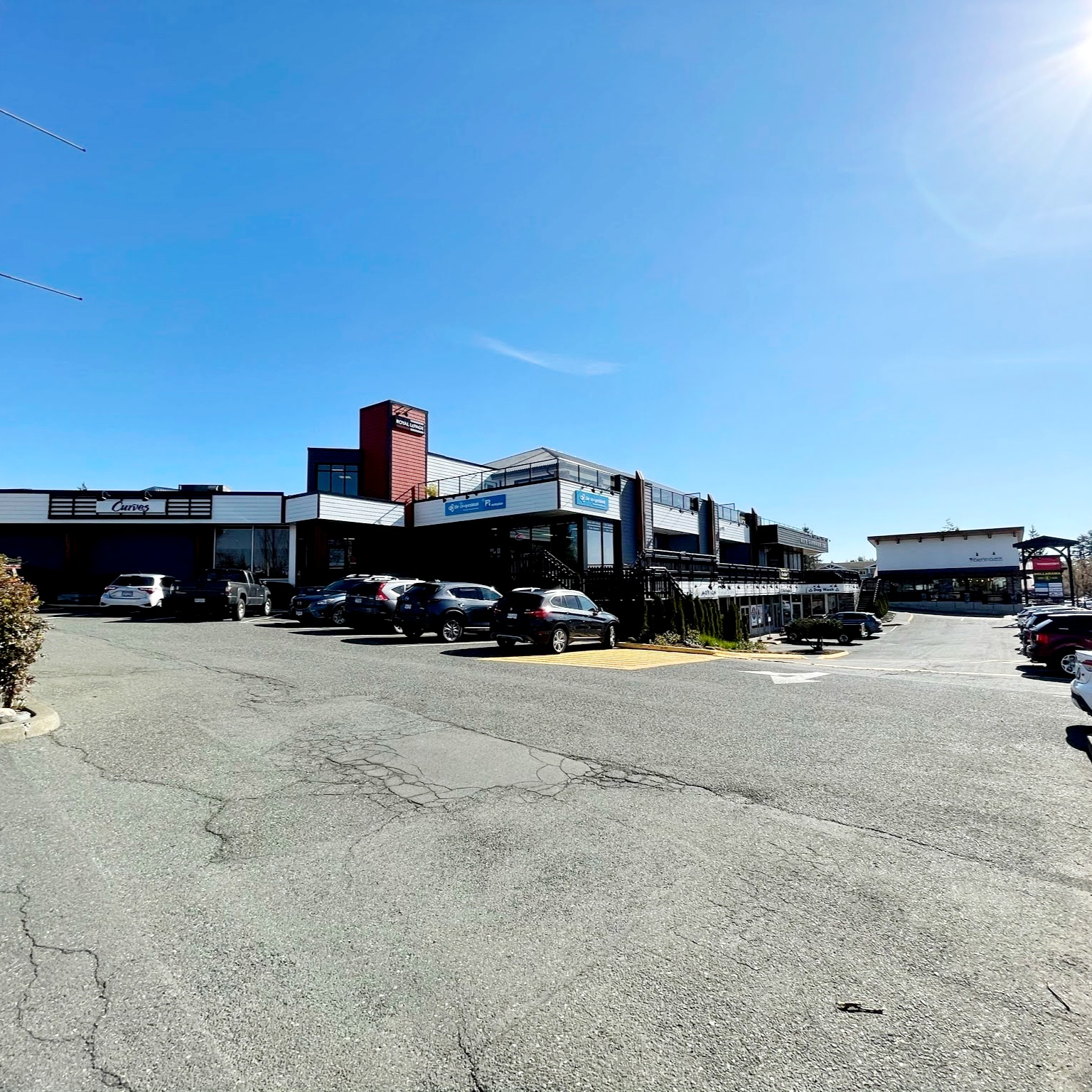Comox storefront - view from parking lot entrance